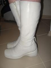 Зимние белые сапоги